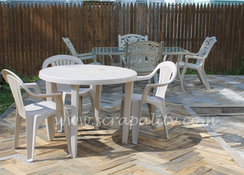 Pallet Deck with Table