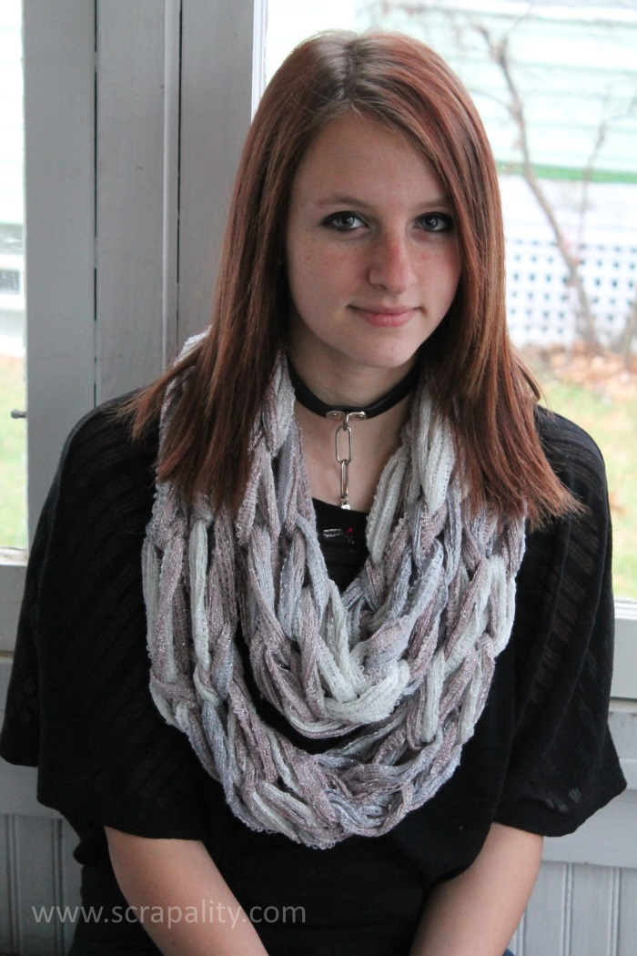 Arm Knitting Infinity Scarf 5