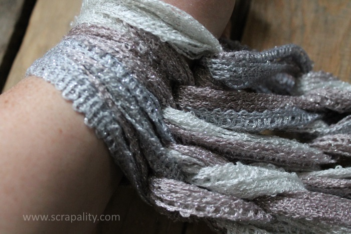 Arm Knitting Infinity Scarf2