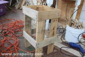 Funky Pallet Living Room Side Table for the House