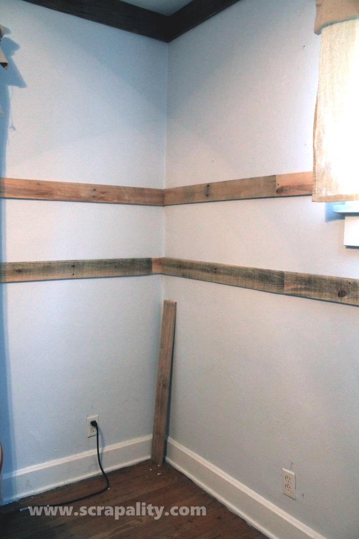 pallet wainscoting 2