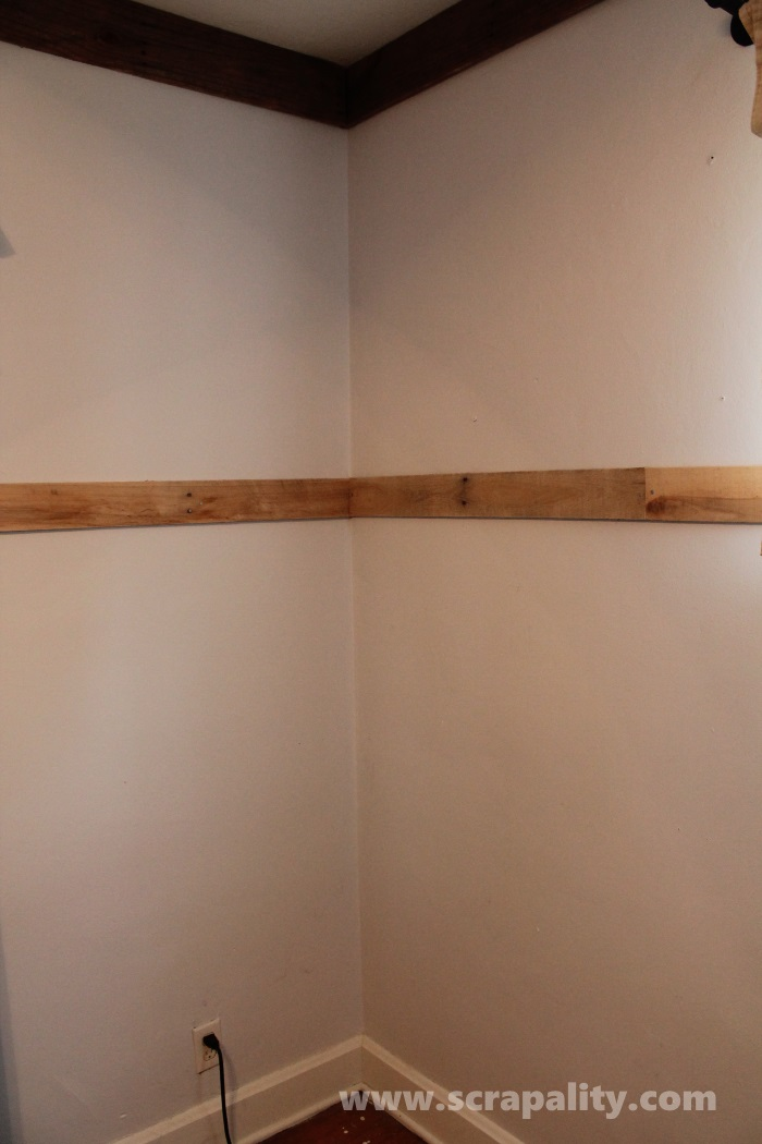 pallet wainscoting