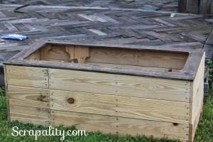 Reclaimed Pallet Wood to Flower Boxes for the Home