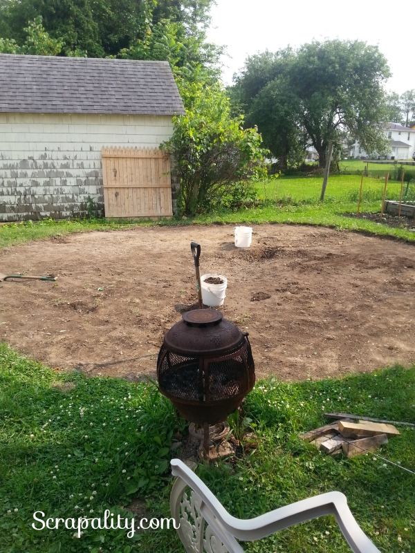 Intex Pool 2015 leveling the ground
