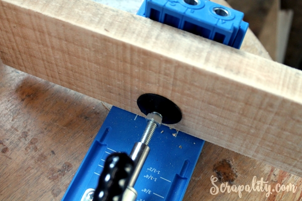 How to Build a Rustic Tablet Stand Jig