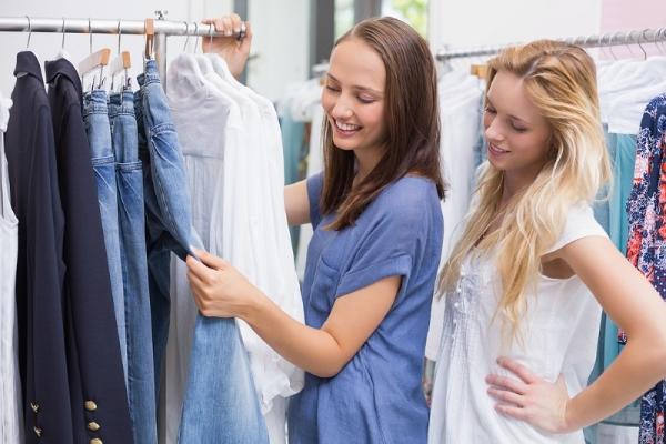 retail-clothing-racks