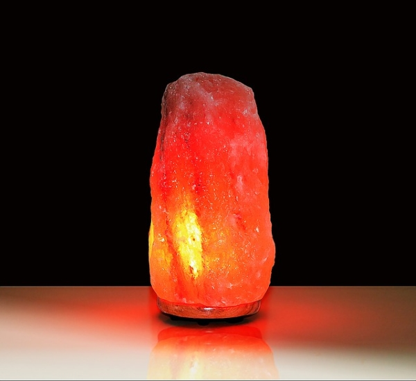 Rock Salt Lamps Explained U2013 Himalayan Salt Lamp Benefits Making A Difference